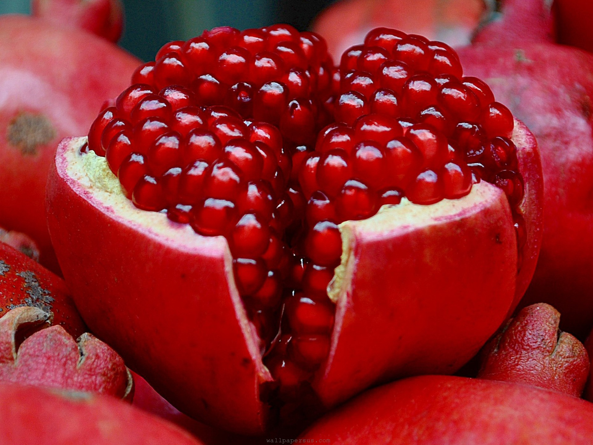 which is the most healthy fruit pomegranate fruit